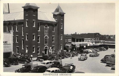 Courthouse early 40's